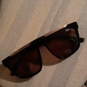 Sunglasses, Bobby Roche